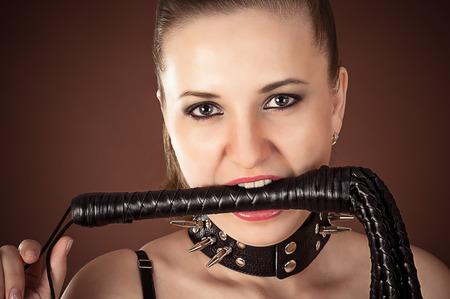 collarin: Retrato de se�ora con un l�tigo en la boca Foto de archivo