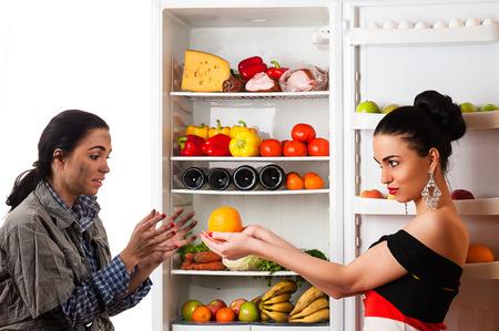 rijke vrouw: rijke vrouw en een arme vrouw begrip relaties