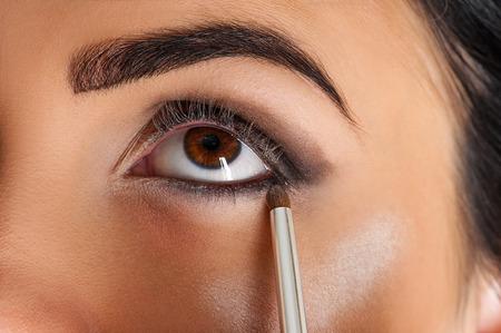 makeup artist eyeliner