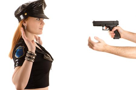 美しい警察の女性両手でジェスチャーを
