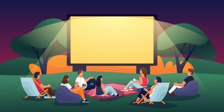 Cinema serale all'aperto nel parco estivo. Piatto del fumetto di vettore. Persone che guardano film nel cinema all'aperto. Festival del cinema, eventi e concetto di intrattenimento.