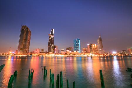 Ho Chi Minh-Stad Saigon River 's nachts Stockfoto - 35384445