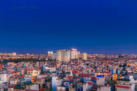 Zonsondergang op het huis in Hanoi Stockfoto - 35429277