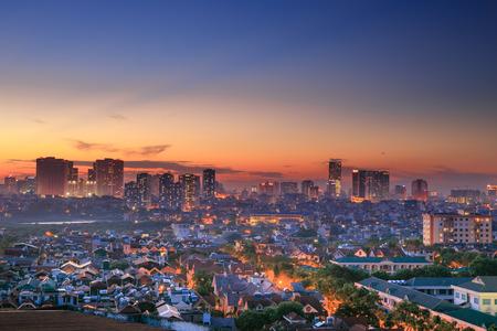 Zonsondergang op het huis in Hanoi