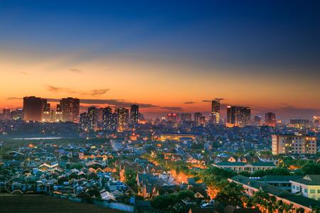 Zonsondergang op het huis in Hanoi Stockfoto - 35429613