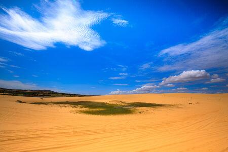 砂の丘でファンティエット-ベトナム 写真素材