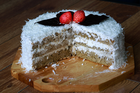 cream on cake: ice cream cake. chocolate ice cream cake Foto de archivo