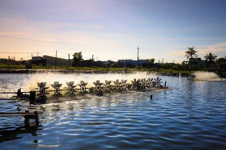 Aerator turbine wheel oxygen fill ins Into lake water