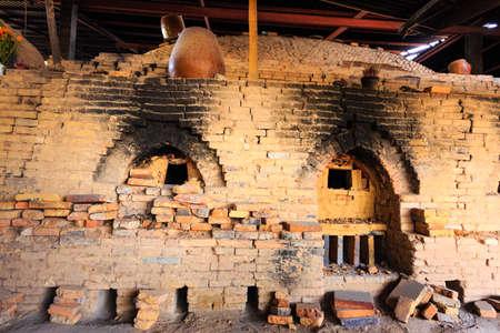 brick kiln: traditional pottery kiln Stock Photo