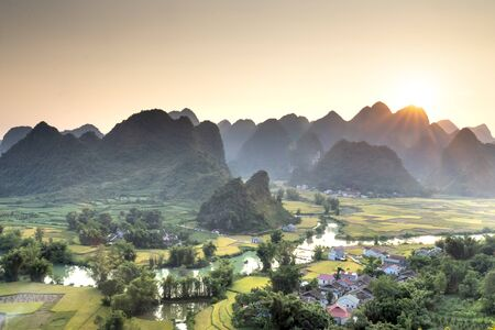 Rice terrace paddle field in sunset at Phong Nam, Trung Khanh, Cao Bang, Vietnam. Cao Bang is beautiful in nature place in Vietnam, Southeast Asia. Travel concept Stockfoto