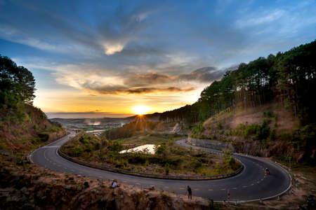 Ta Nung Pass in Da Lat City, Vietnam. The winding road in the distance is Da Lat city Standard-Bild