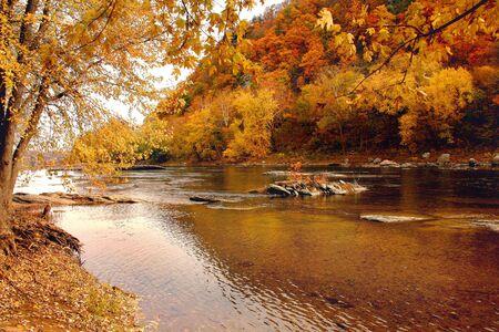 セグメント、ハーパーズ ・ フェリー、ウェスト バージニア州の近くに描かれるシェナンドー川