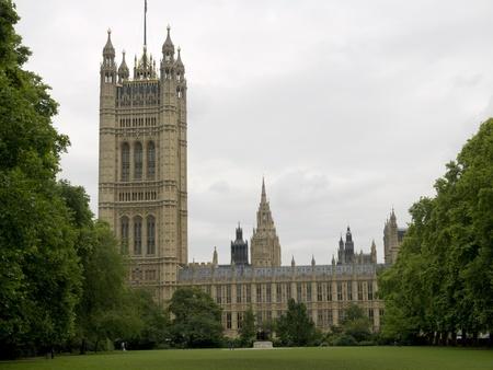 Parlementsgebouw van Thames Embankment in Londen Stockfoto