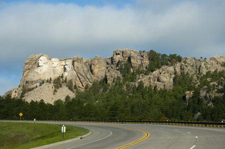 mount jefferson: Mount Rushmore in Dakota USA