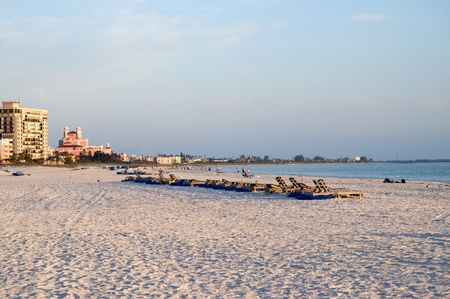 no pase: San Petes Beach en el sol poniente en la Florida EE.UU.