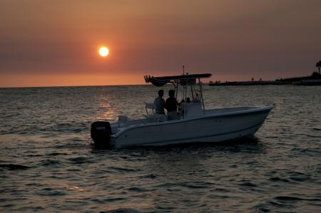 Sunset zeilen op jacht van St Pete Beach de omgeving van St Petersburg Florida USA