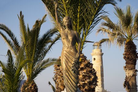 rethymno: Statue of Freedom on the Venetian harbour at Rethymno Crete Stock Photo