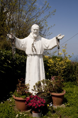 pio: Statue of Saint Padre Pio at Termini near Sorrento Italy Stock Photo