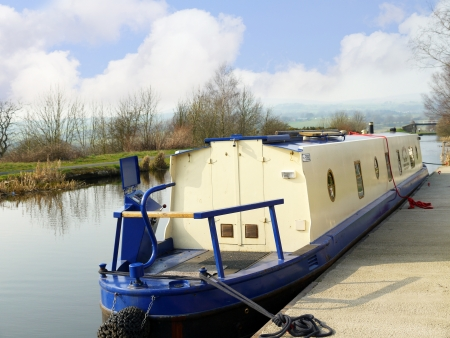 The Leeds and Liverpool Canal is in northern England, linking the cities of Leeds and Liverpool.  Stock Photo - 14543960
