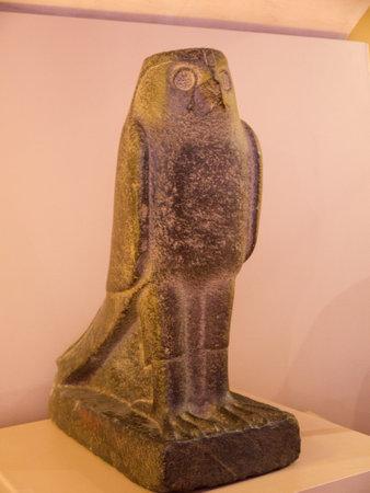 holies: Egyptian Statue