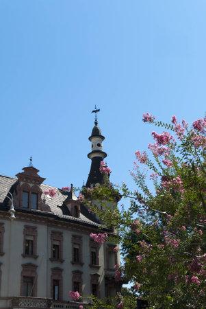 triptico: Catedral de Bolzano en el Tirol italiano en el norte de Italia