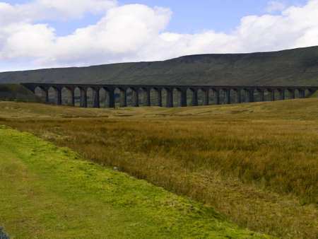 settle: Ribblehead Viaduct on the Settle to Carlisle Railway in the Yorkshire Dales England