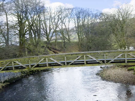 wensleydale: Puente sobre el r�o en la Inglaterra de Yorkshire Dales