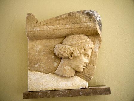 statue grecque: t�te de statue grecque � Fira Santorini Gr�ce Editeur