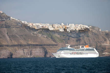 eacute: Cruise Ship in the Caldera of the Island of Santorini Greece