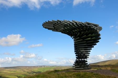 The Singing Ringing Tree Panopticon hoog op de heide boven Burnley in Lancashire in het noorden van Engeland