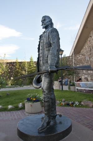 cody: Statue of Buffalo Bill in Cody Wyoming USA