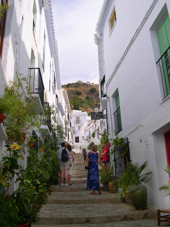 The narrow streets of Frigiliana one of the White Villages in Andalucia Spain Stock Photo - 14803128
