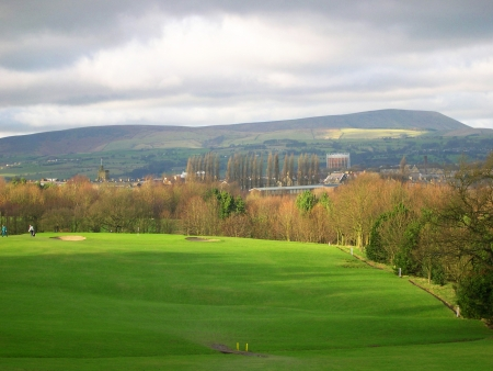 burnley:     Burnley Golf Course with Pendle Hill in background              Stock Photo