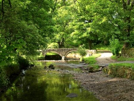 Wycoller dorp in Lancashire Wycoller was een klein dorp van handgeweven wevers wier geweven doek werd genomen door pakpaard naar beneden in de steden van Lancashire