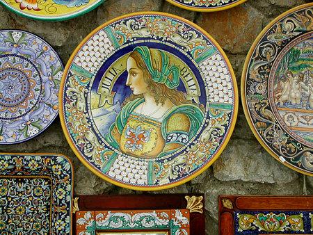 Traditionele Sorrentine Aardewerk in Ravello Campanië Zuid-Italië Redactioneel