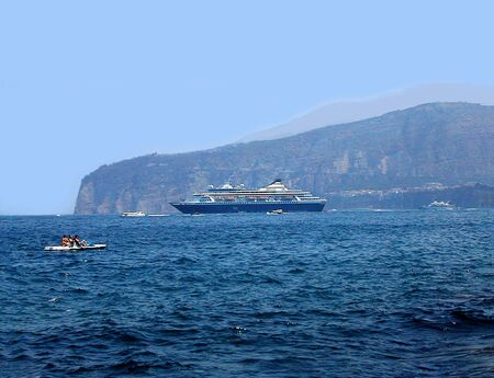 walter scott: Cruise ship off Sorrento in the Bay of Naples Italy