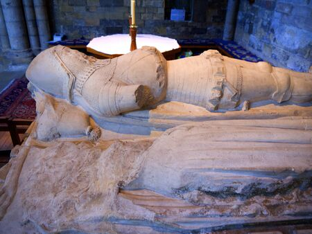 reredos: Knight and his lady s tomb in Ripon Cathedral Yorkshire