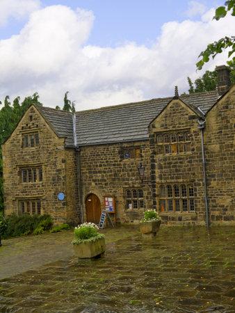 wharfedale: Pazo en Ilkley, que es una ciudad balneario en West Yorkshire, en el norte de Inglaterra. Editorial