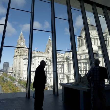 merseyside: Liver Building a Liverpool Merseyside dal Museo di Liverpool