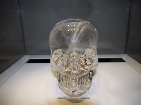 pre columbian: Crystal Skull on exhibition in Museum in London England
