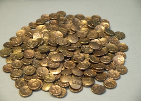 hoard: Hoard  of Gold on display in Museum in London England