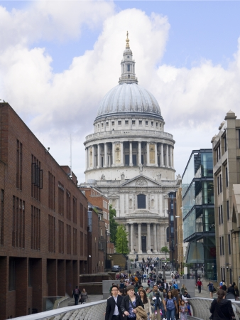 brenda kean: St Pauls Cathedral in London England Editorial
