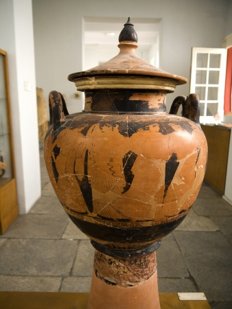 chora: Florero griego en el Museo de Chora en la isla de Mykonos Grecia