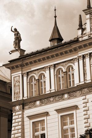 portcullis: Ornato di un edificio a Cracovia in Polonia