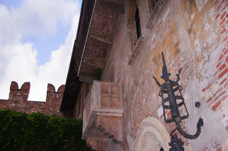 juliet s: Verona is a city in Northern Italy which features in Shakespeare s tragedy Romeo and Juliet  This is supposed to be the balcony where Romeo wooed Juliet