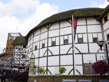 globe theatre: Shakespeare s Globe Theatre on the bank of the Thames in Southwark London England