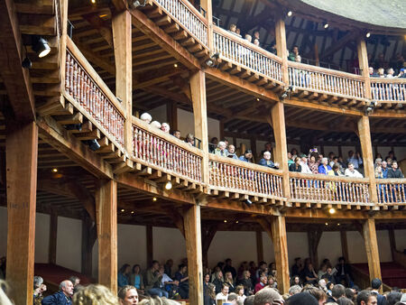 globe theatre: Shakespeares Globe Theatre on the bank of the Thames in Southwark London England