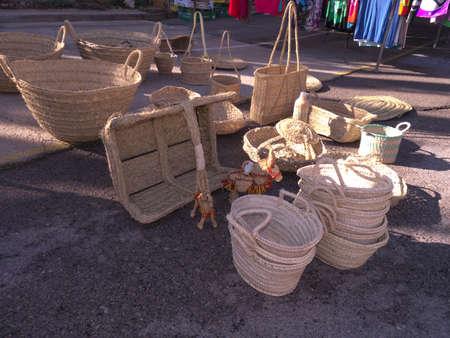nerja: Basket Ware art�culos por Nerja mercado Andaluc�a Espa�a Foto de archivo