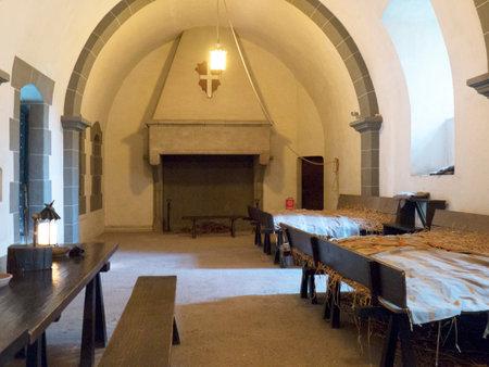 akademik: Mężczyźni akademik w Borgo Medievale, zamku, gdzie elementy budynków z całych Włoch zostały wprowadzone, aby stworzyć replikę zamku w Turynie we Włoszech