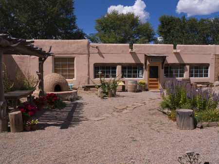 Arquitectura típica de adobe en Taos Nuevo México EE.UU. Foto de archivo - 36544983